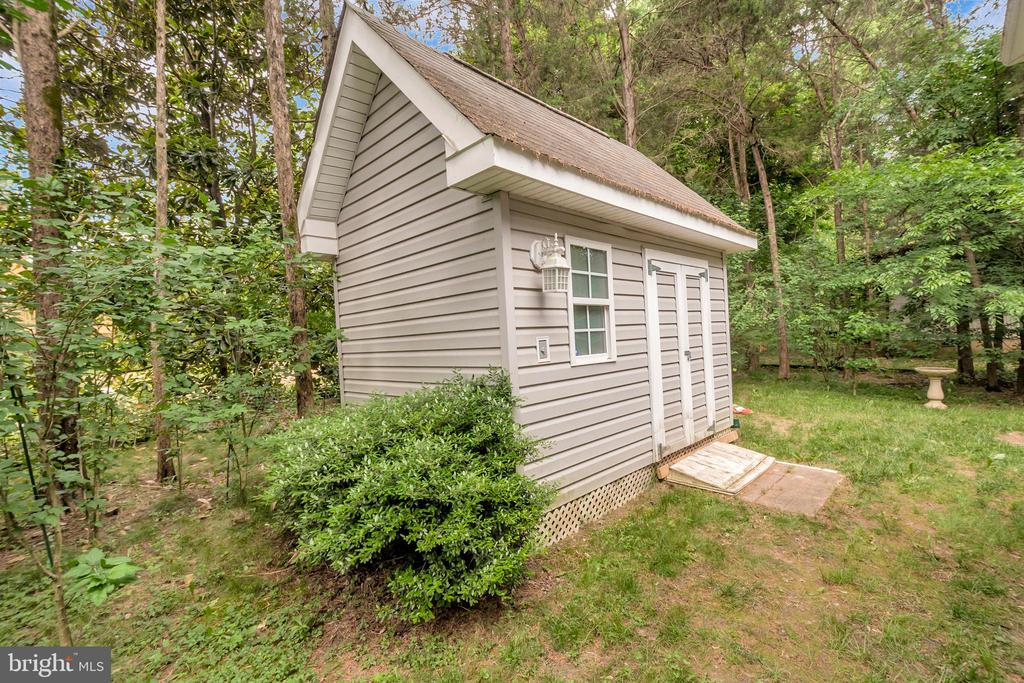 Separate shed - 1400 LAKEVIEW PKWY, LOCUST GROVE
