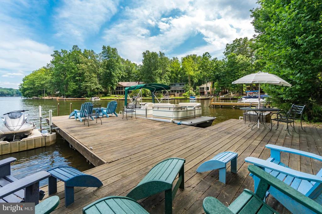 Dock - 615 LAKEVIEW PKWY, LOCUST GROVE