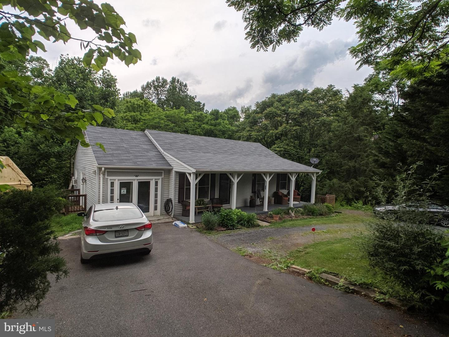 Single Family for Sale at 53 Paw Paw Dr Front Royal, Virginia 22630 United States