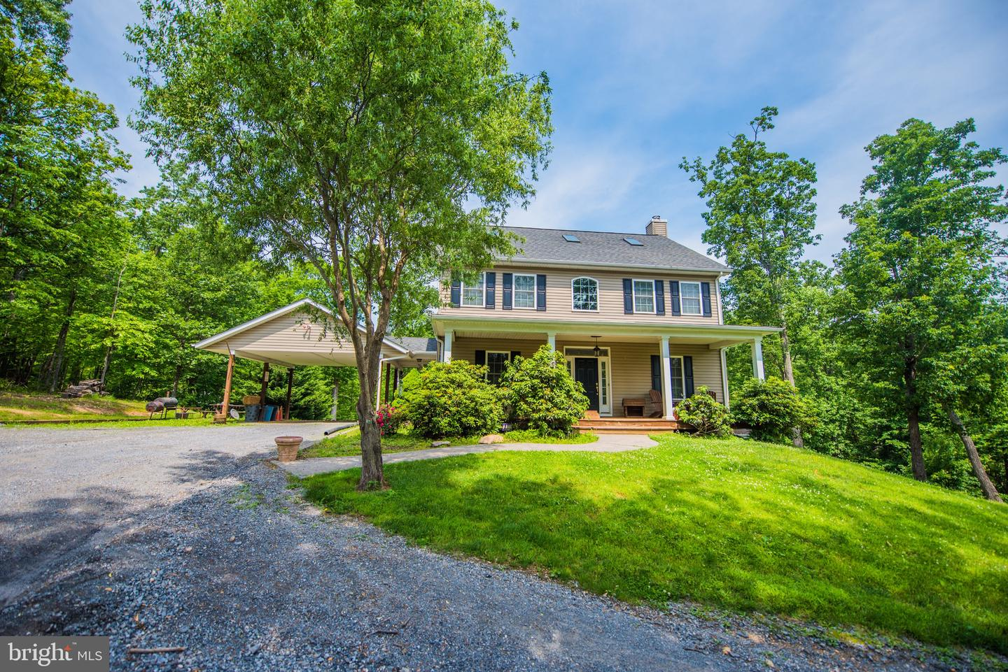 Single Family for Sale at 601 Old Oregon Rd Front Royal, Virginia 22630 United States