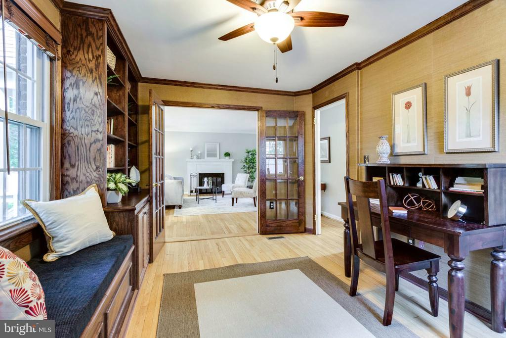 French doors open to the living room - 1709 S QUINCY ST, ARLINGTON