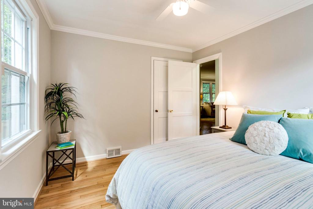 2nd bedroom on main level - 1709 S QUINCY ST, ARLINGTON