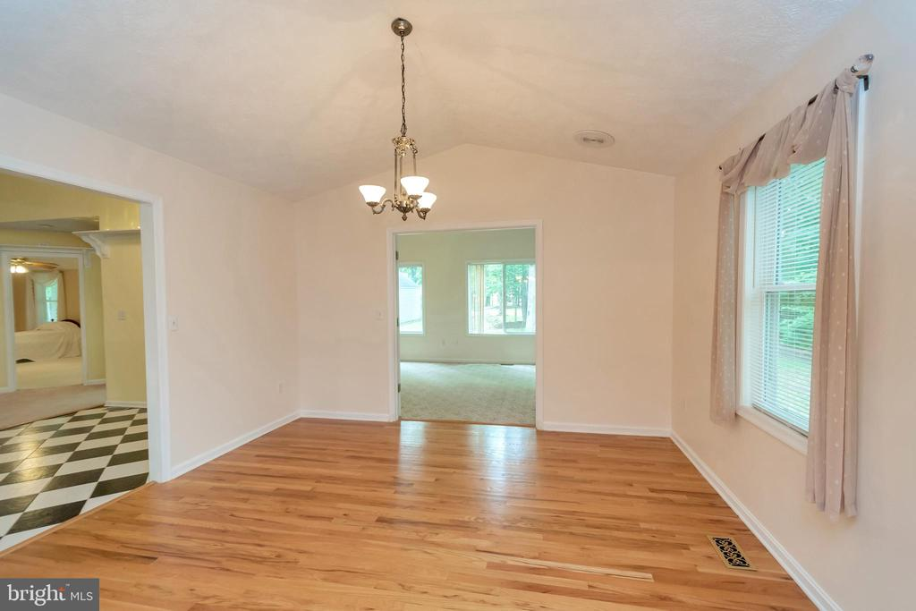 Large formal Dining Room - 118 JEFFERSON AVE, LOCUST GROVE