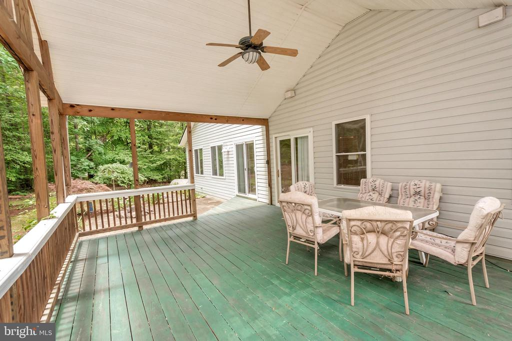 Imagine summer dining and entertaining here - 118 JEFFERSON AVE, LOCUST GROVE