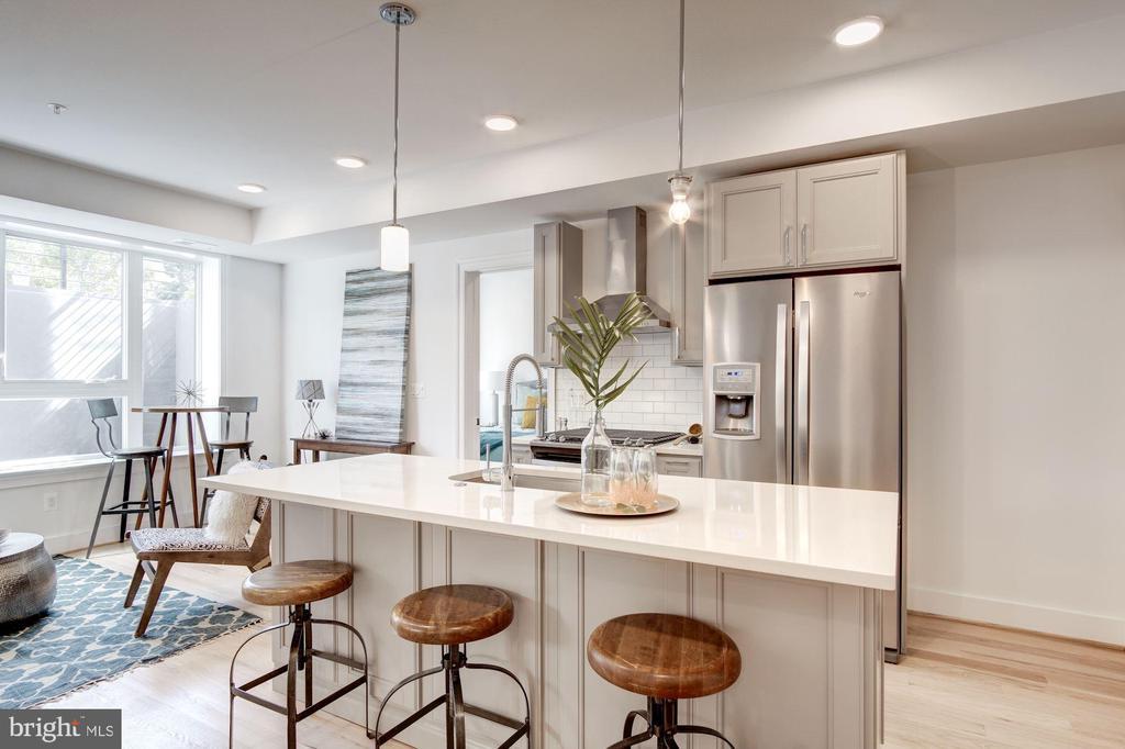 Spacious kitchen - photo of similar unit - 1005 BRYANT ST NE #2, WASHINGTON