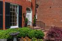 - 3327 N ST NW, WASHINGTON
