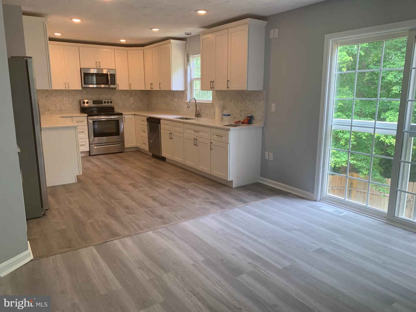 Additional photo for property listing at 6750 Barney Dr Hughesville, Maryland 20637 United States