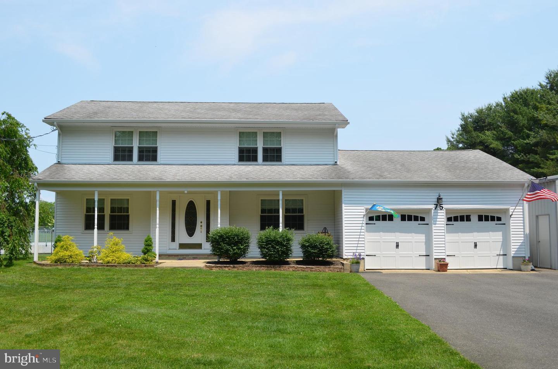 single family homes для того Продажа на Millstone Township, Нью-Джерси 08535 Соединенные Штаты