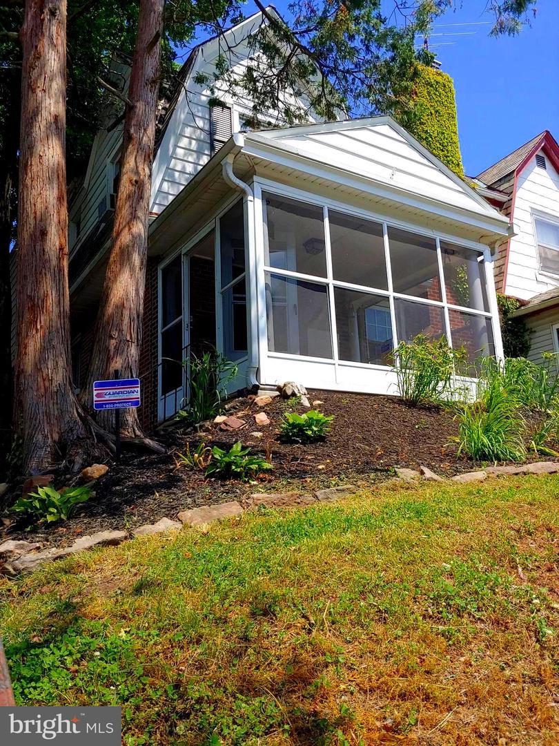 Property للـ Rent في 239 W ALBEMARLE Avenue Lansdowne, Pennsylvania 19050 United States