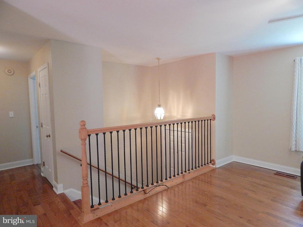 Updated metal railing in foyer - 340 ALBANY ST, FREDERICKSBURG