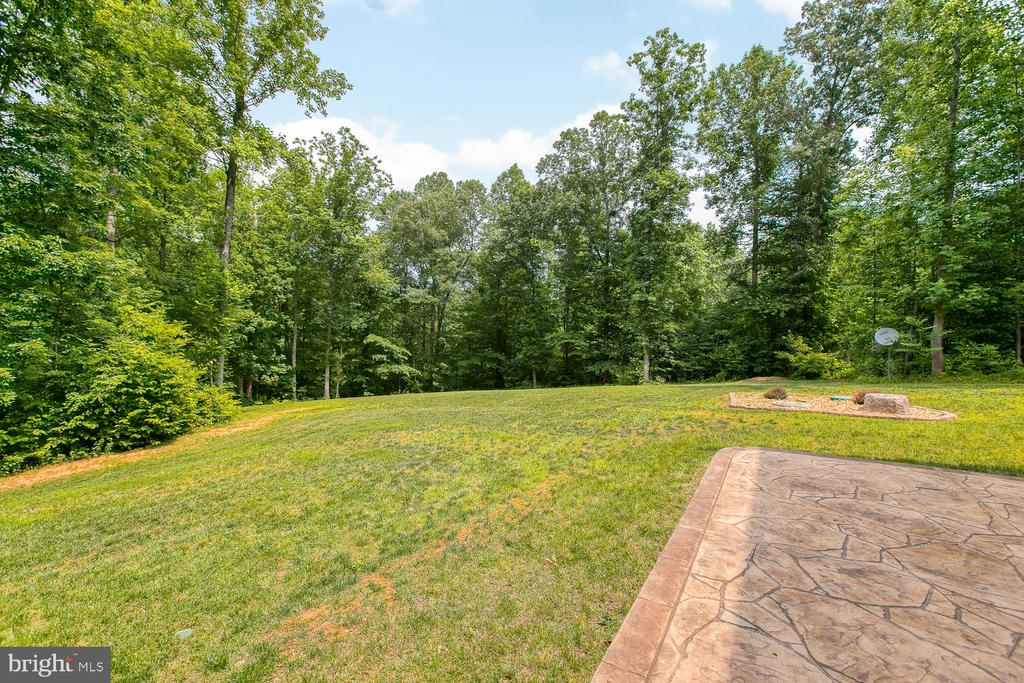 - 2995 GREENBRIAR DR, STAFFORD