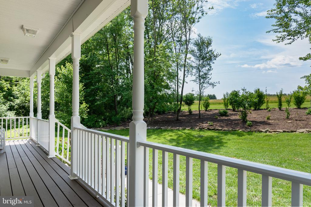 Front porch - 16339 WOODGROVE RD, ROUND HILL
