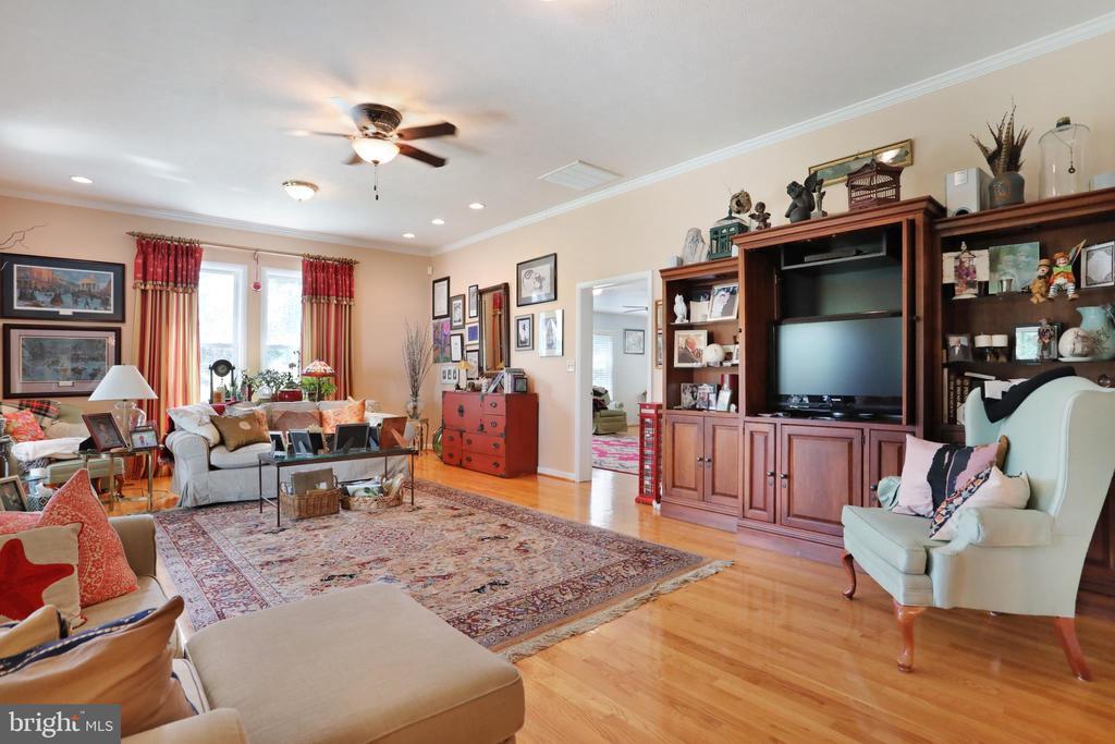 Livingroom - 1105 REDBUD RD, WINCHESTER