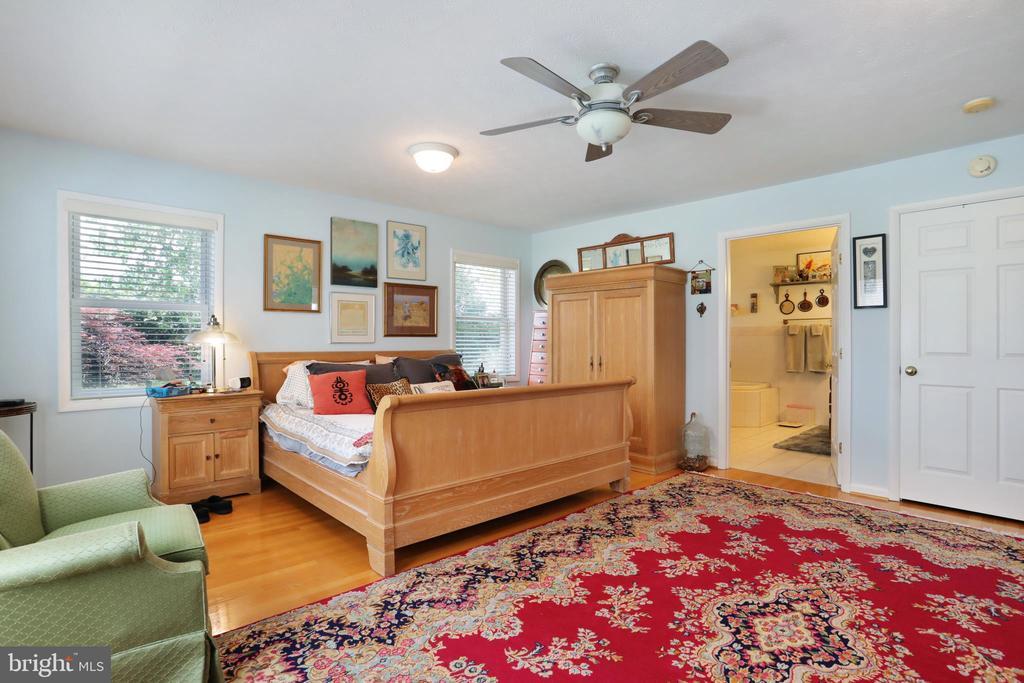 Master Bedroom Main Level - 1105 REDBUD RD, WINCHESTER