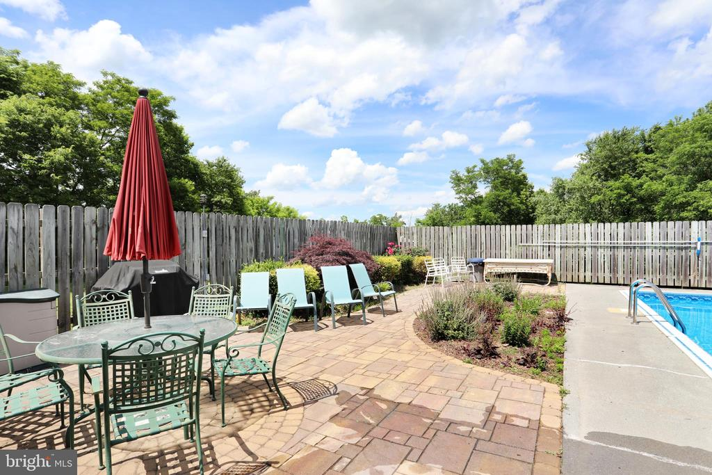 Patio at the Pool - 1105 REDBUD RD, WINCHESTER