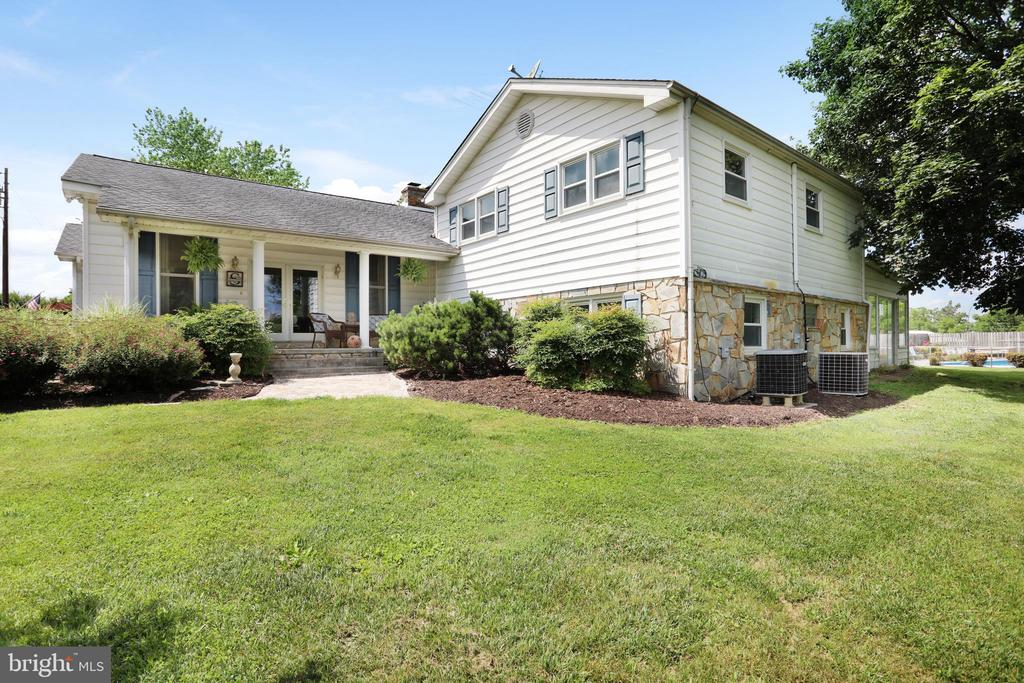 ~Front of the home - 1105 REDBUD RD, WINCHESTER