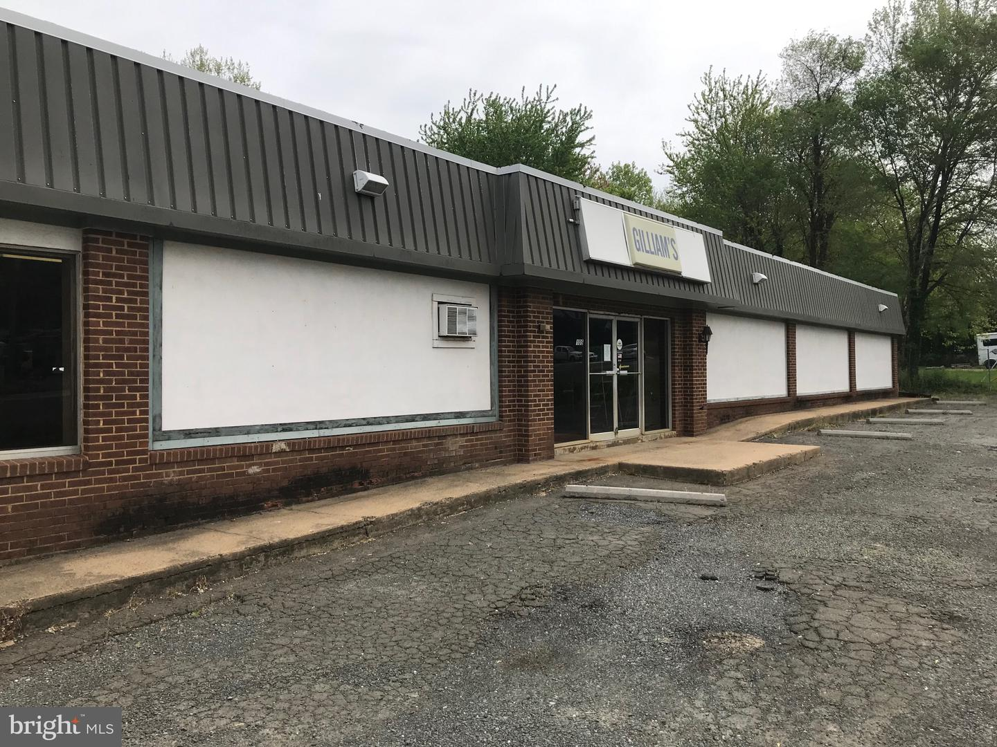 Commercial for Sale at 105/115 W Shirley Ave. 105/115 W Shirley Ave. Warrenton, Virginia 20186 United States