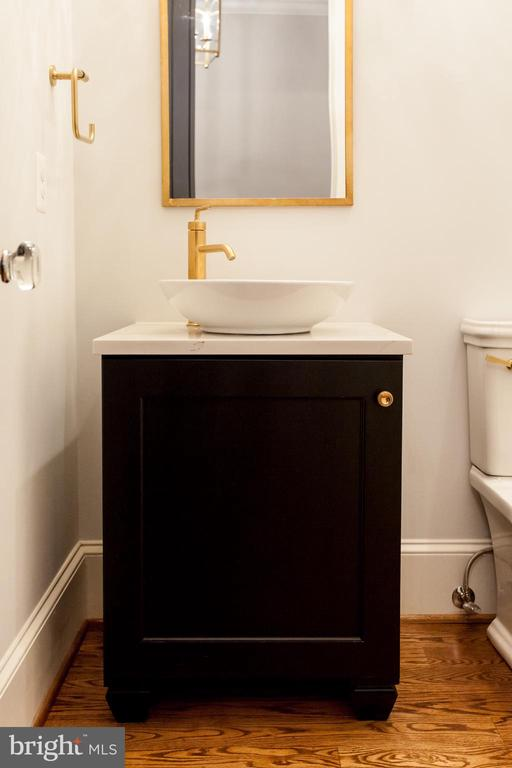 Powder Room - 1607 N BRYAN ST, ARLINGTON