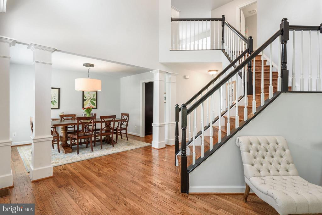 Open Floor plan in entry - 43365 WAYSIDE CIR, ASHBURN