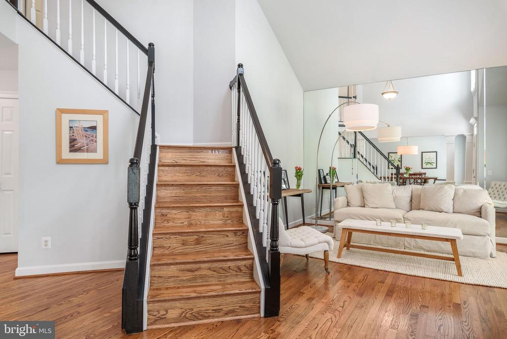Hardwood floors throughout main level and staircas - 43365 WAYSIDE CIR, ASHBURN