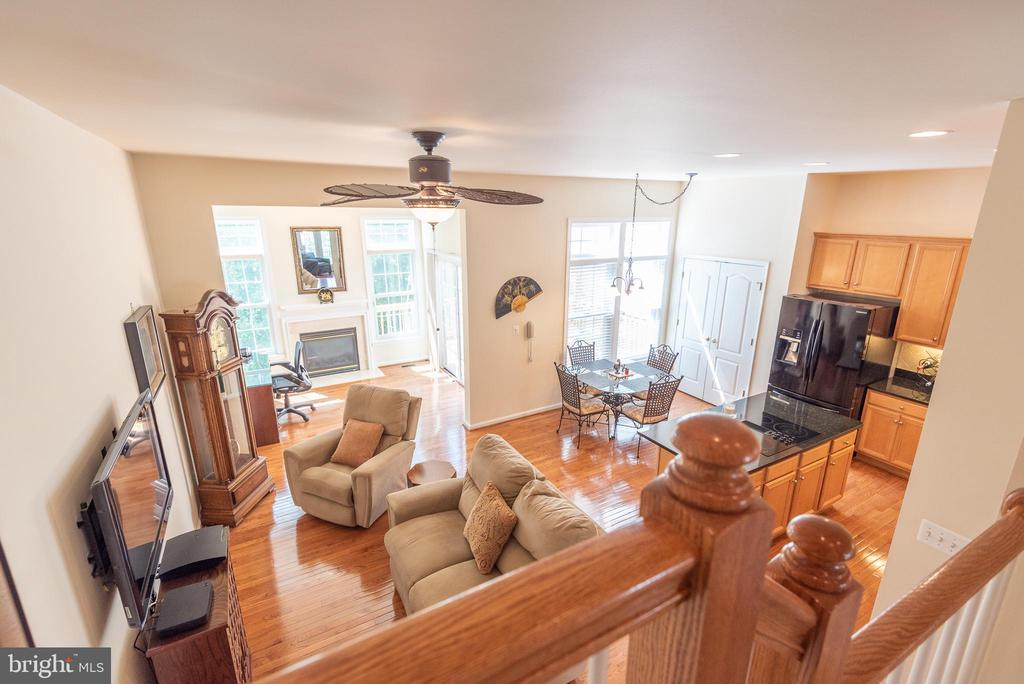 Family Room & Kitchen View  from Stairs - 21893 HAWKSBURY TER, BROADLANDS