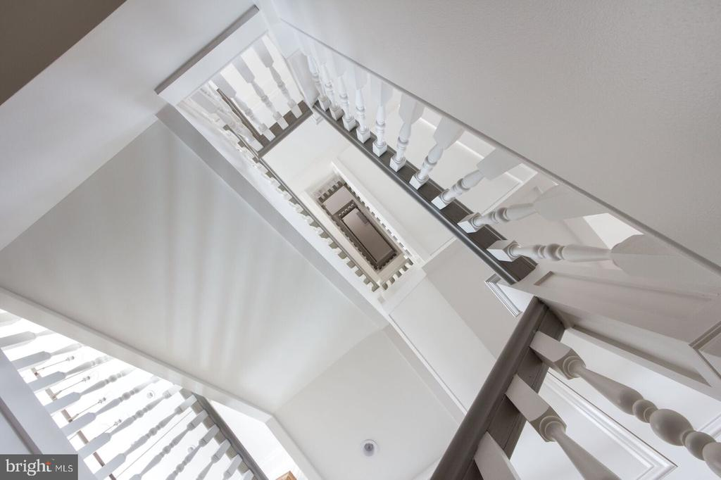 Hand crafted Staircase - 426 C STREET NE, WASHINGTON