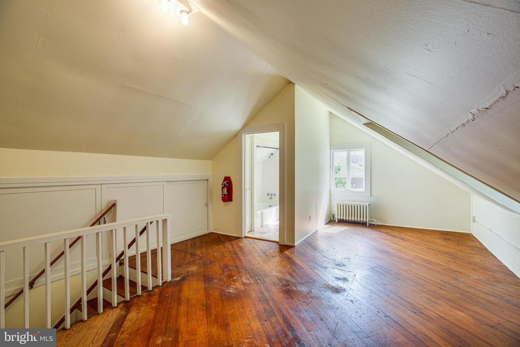 Upstairs Sitting Room - 1104 COLLEGE AVE, FREDERICKSBURG