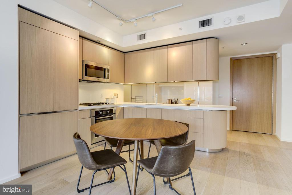 Gourmet Kitchen - 925 H ST NW #713, WASHINGTON