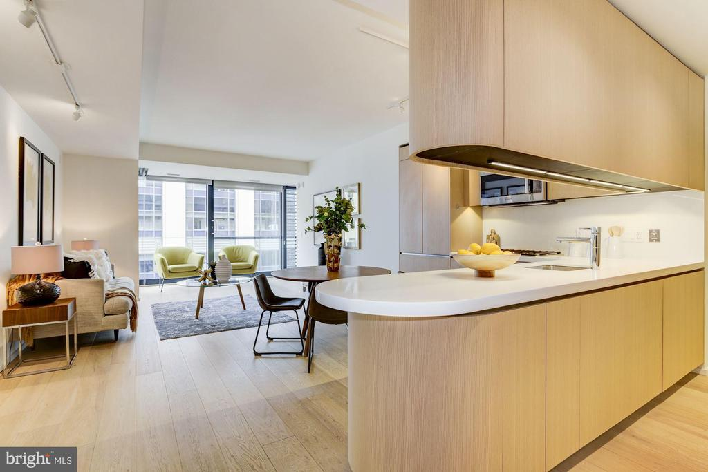 Open and Sunlit Floor Plan - 925 H ST NW #713, WASHINGTON