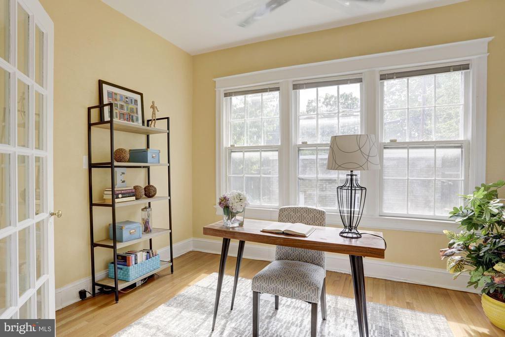 Wonderful Sun Room - 4310 18TH ST NW, WASHINGTON