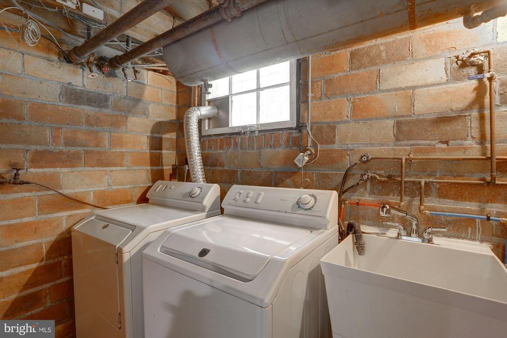 Full Sized Washer & Dryer - 4310 18TH ST NW, WASHINGTON