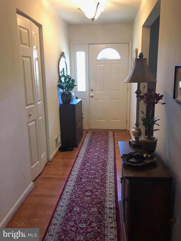Foyer - 15020 ROLLING RIDGE RD, HAYMARKET