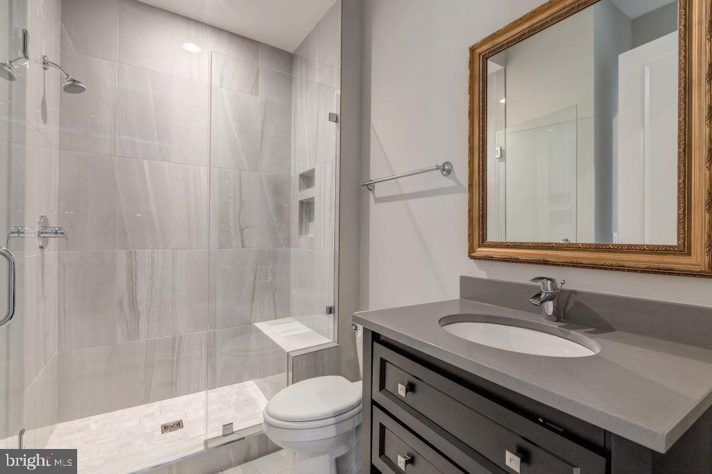 Main Level Full Bathroom - 10710 HARLEY RD, LORTON