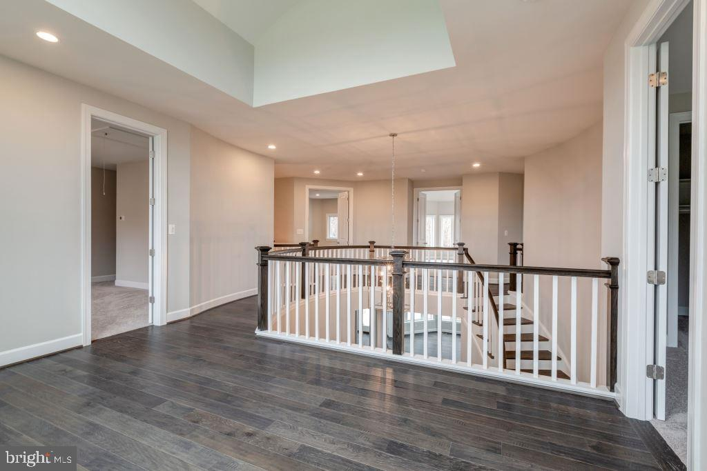 Upper Level Stair Landing and Hall - 10710 HARLEY RD, LORTON