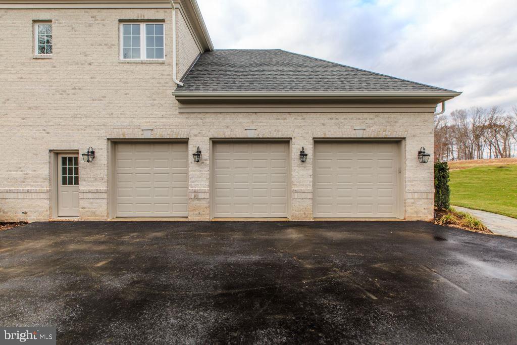3 Car Garage - 10710 HARLEY RD, LORTON