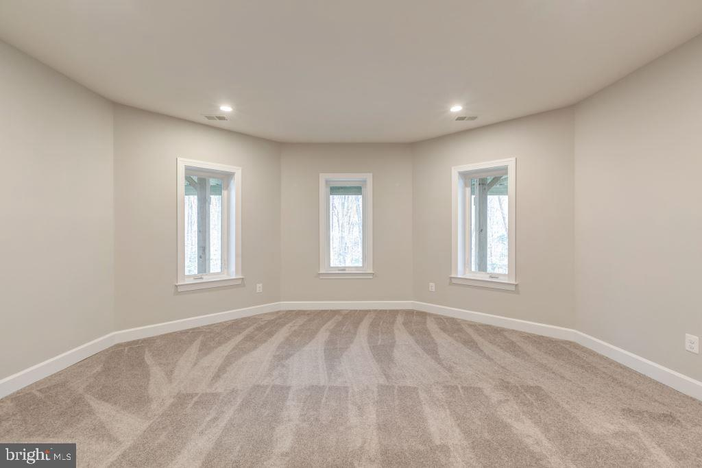 Extended Game Room - 10710 HARLEY RD, LORTON