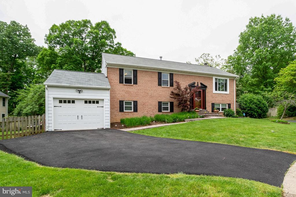 6108  MULBERRY COURT, Alexandria, Virginia
