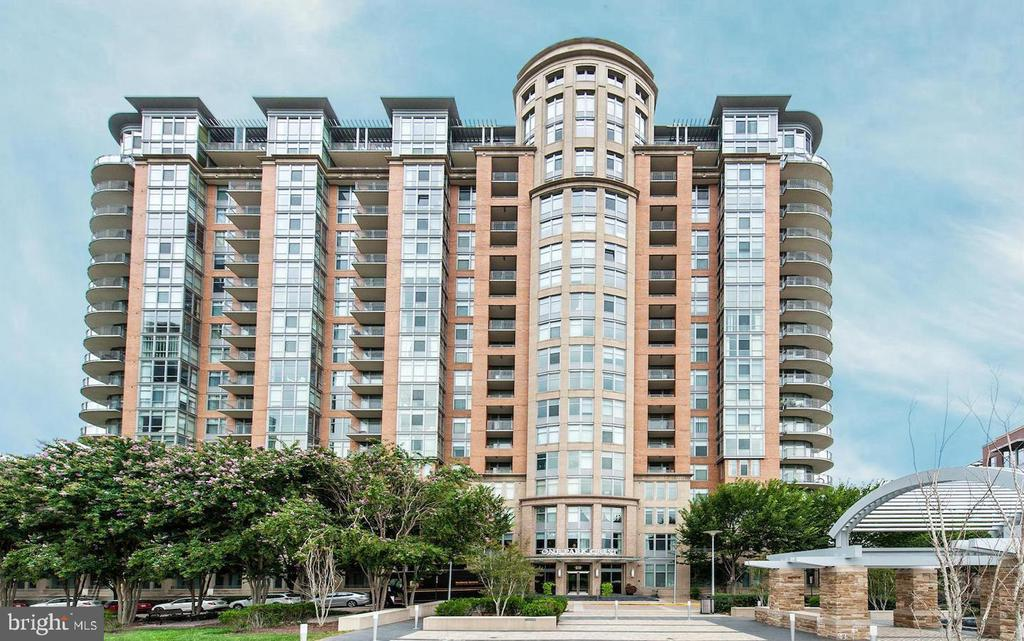 Sought after luxury building at Tysons-Park Crest - 8220 CRESTWOOD HEIGHTS DR #514, MCLEAN