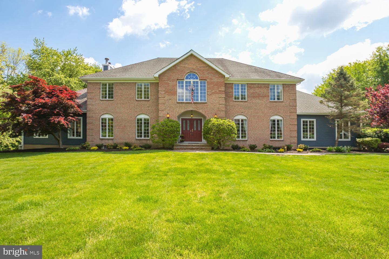 single family homes pour l Vente à Millstone Township, New Jersey 08535 États-Unis