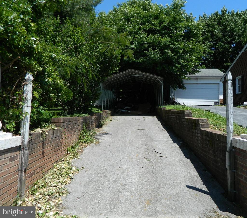 Driveway & Carport on lot 25 - 117 POLK AVE, FRONT ROYAL