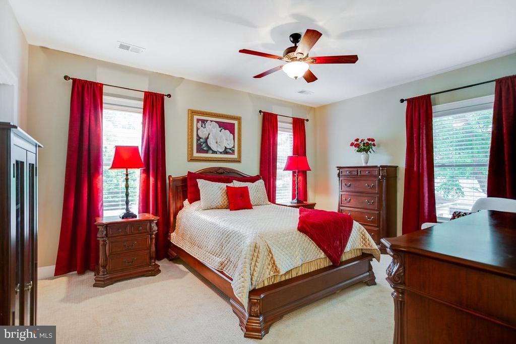 Bedroom #3 - 2020 S KENT ST, ARLINGTON