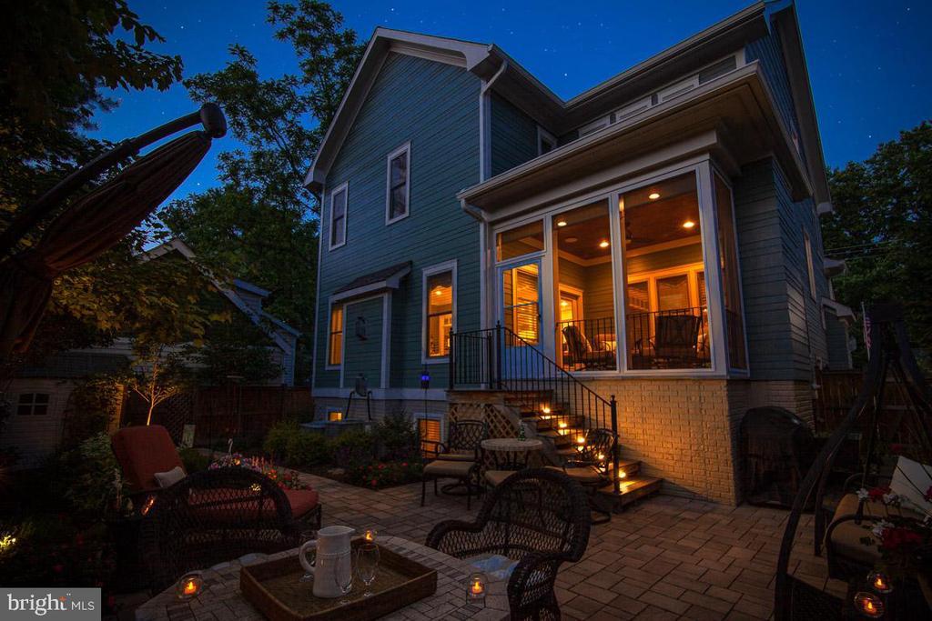 Memorable Nights - 2020 S KENT ST, ARLINGTON
