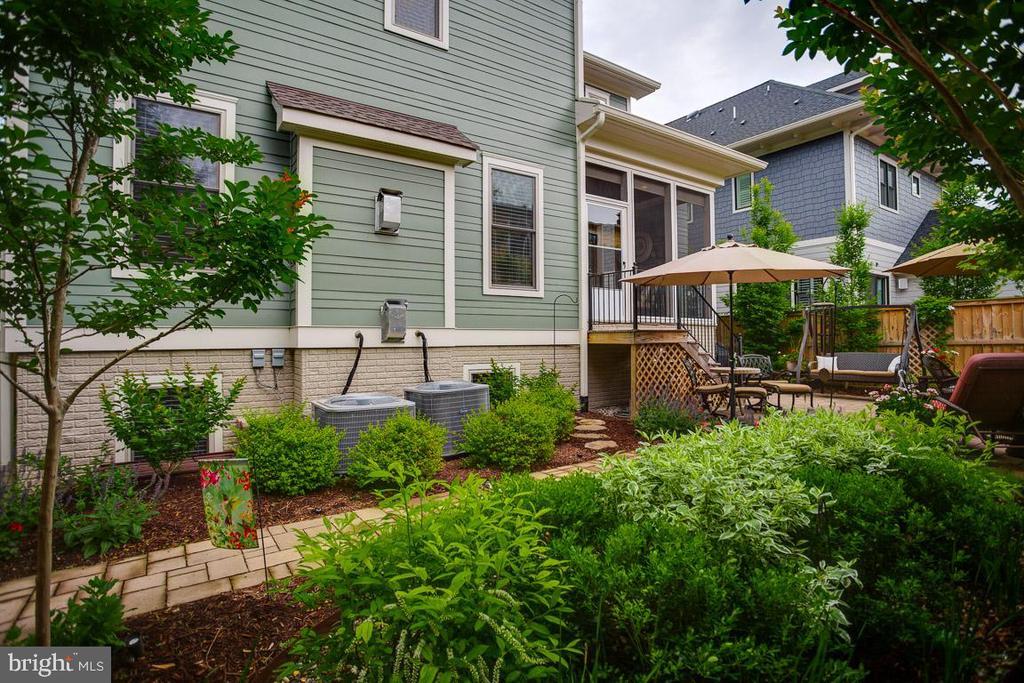 More Views of the Backyard - 2020 S KENT ST, ARLINGTON