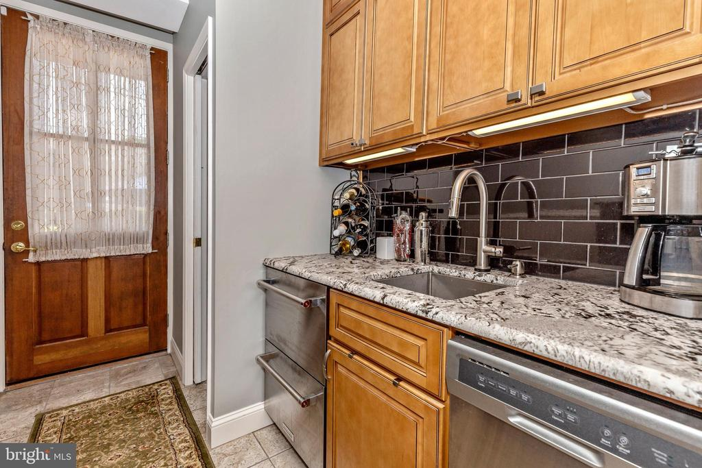 Butler pantry with access to pool/patio - 118 E CHURCH ST, FREDERICK