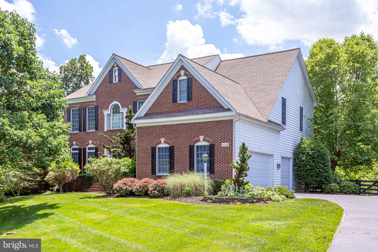 Single Family for Sale at 24124 Heather Hill Pl Aldie, Virginia 20105 United States