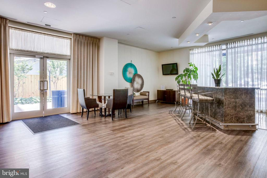 Elegant Lobby Party Room/Common Room - 880 N POLLARD ST #602, ARLINGTON