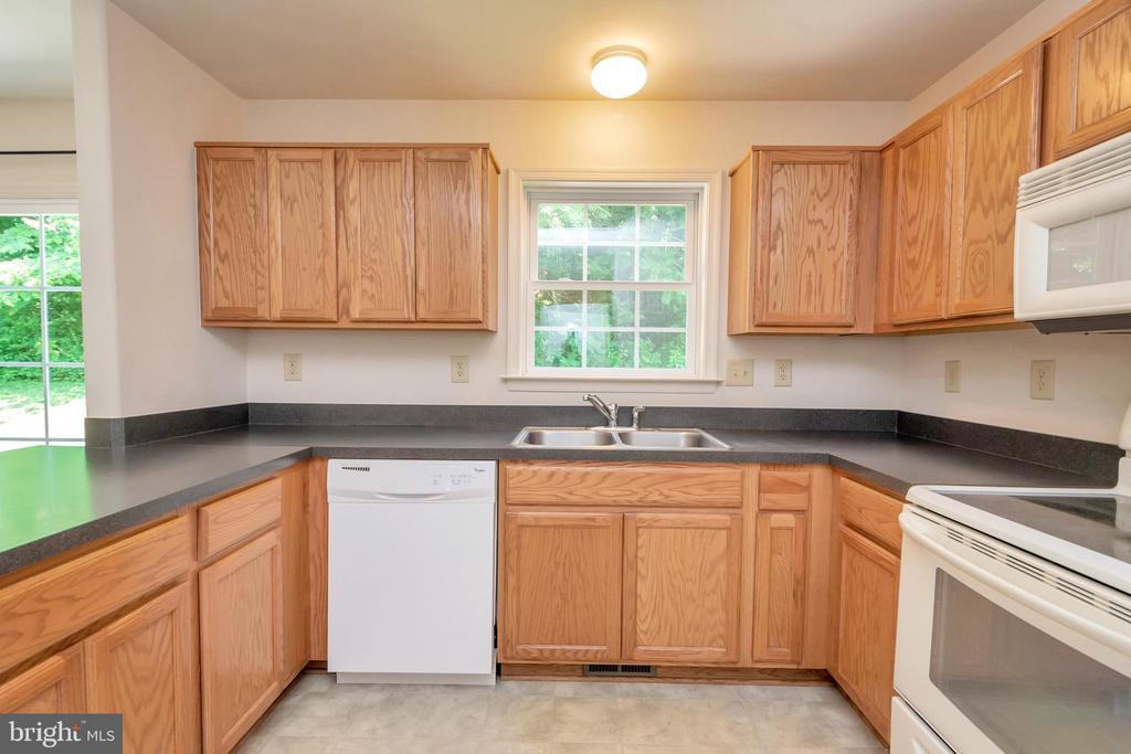 Kitchen - 175 ROPER DR, BOWLING GREEN