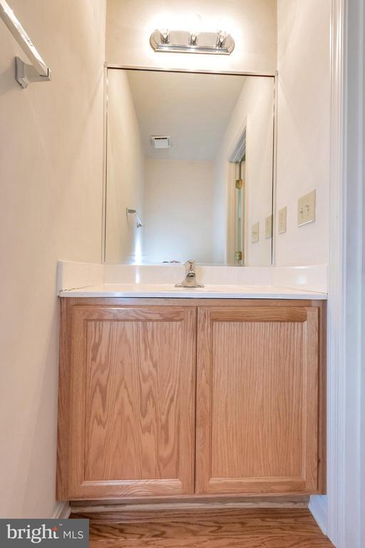 Downstairs Half Bath - 175 ROPER DR, BOWLING GREEN