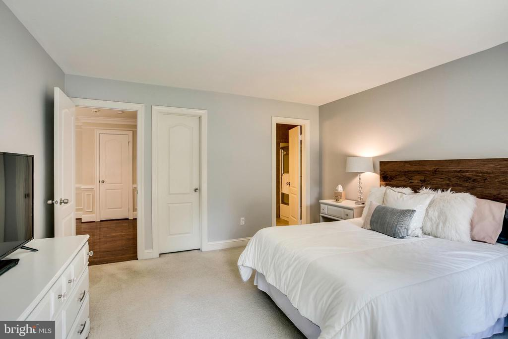 En-suite bedroom 4 - 1298 STAMFORD WAY, RESTON