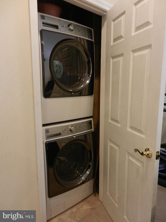 Lower level laundry - 21106 JOSEPH TER, STERLING